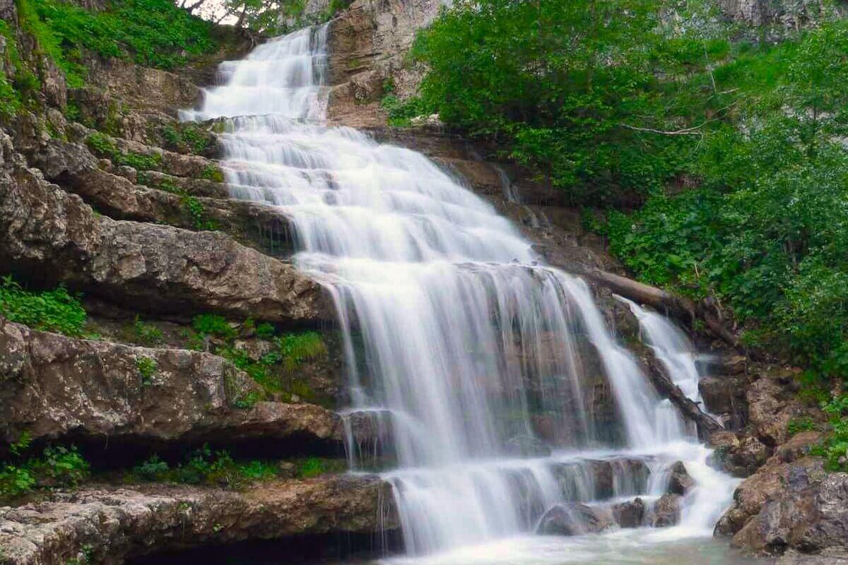 Экскурсии из адлера на 33 водопада из Адлера