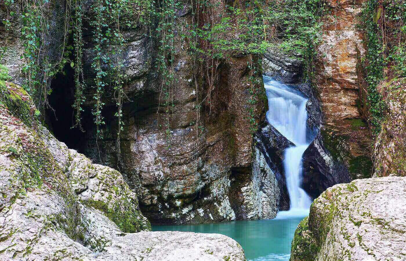 Экскурсия на Гору Ахун и в Агурское ущелье
