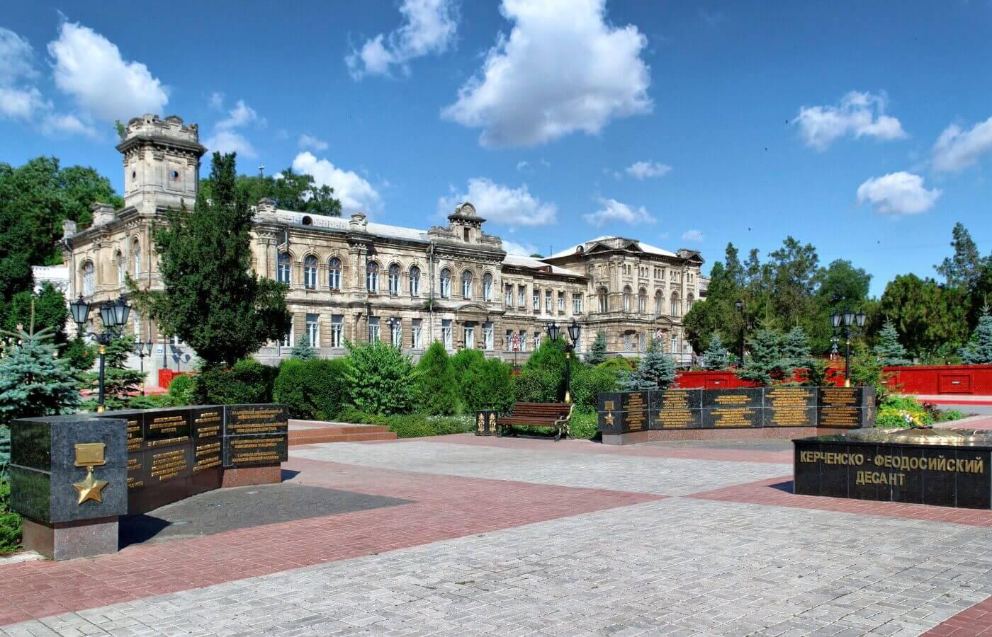 Экскурсия из Анапы по Крымскому мосту в город Керчь