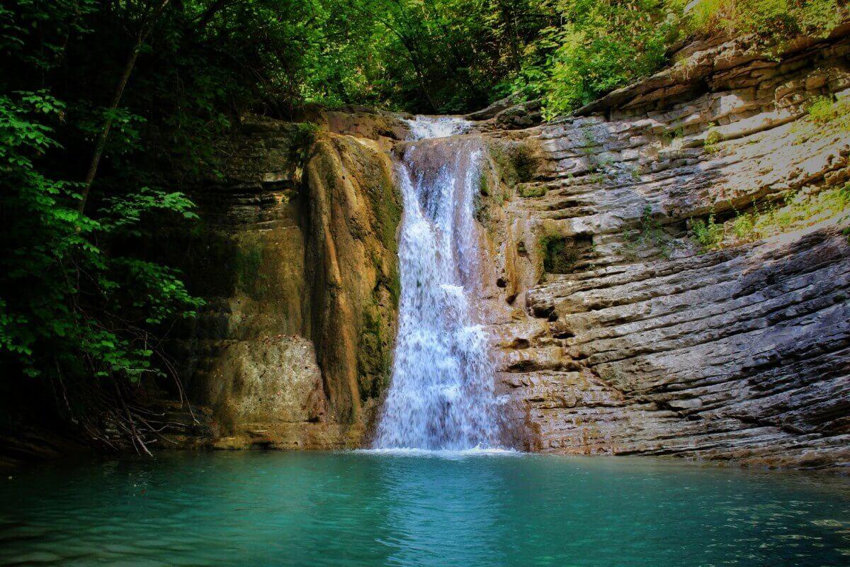 Экскурсии в Геленджике к Пшадским водопадам
