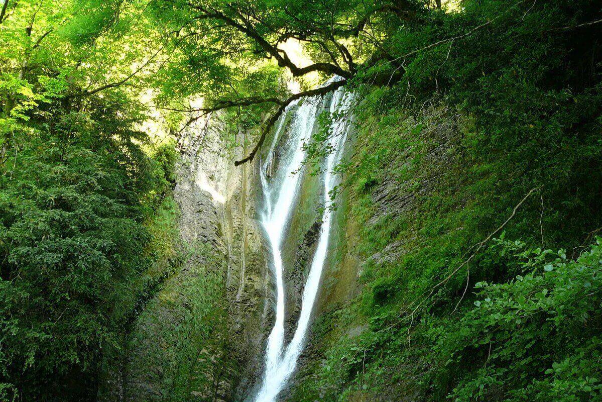 Экскурсия из Адлера на Ореховский водопад