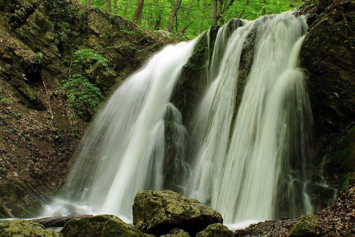 Экскурсия из Алушты к водопадам Головкинского